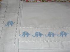 elefantes celestes sabanas para moises y cuna popelina chilena,hilos perle anchor,cenefa anchor bordados a mano,punto cruz