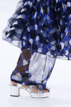 CHIFFON PANTS Chanel Spring 2016 Ready-to-Wear Fashion Show Details