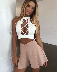 Summer Beach Tank Top For Ladies Casual solid V Neck Tops Woman Backless Sleeveless Tie Front Ribbed Femme White Crop Tank Top Hot Outfits, Summer Outfits, Fashion Outfits, Womens Fashion, Sabo Skirt, Moda Fitness, Mode Style, Look Fashion, Athleisure