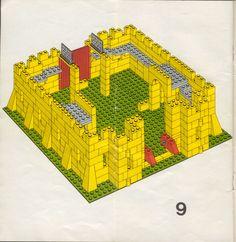 Old LEGO® Instructions | letsbuilditagain.com Lego Minecraft, Minecraft Skins, Minecraft Buildings, Lego Duplo, Manual Lego, Lego Castle Instructions, Legos, Lego Sets, Lego Vintage
