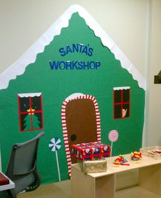 Mrs Timmons class pre-k, Mrs Marsh Christmas Dramatic Play