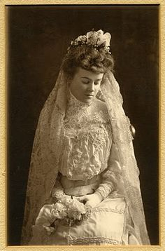 Grace Weaver Powers who was married to William Denton Bloodgood in New York City on 4/22/1903