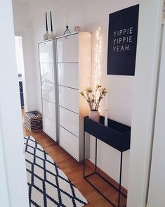 flur Flur Ideen: Lass dich in der Community inspirieren!wohnung flur Flur Ideen: Lass dich in der Community inspirieren! The entryway is always a very important space of your house. First impressions are always important, right? Shoe Cupboard, Shoe Cabinet, Hallway Cabinet, Hanging Cabinet, Interior Design Minimalist, Diy Casa, Plant Box, Living Room Decor, Decor Room