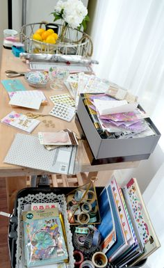 Snail mail advice for new penpals Pen Pal Letters, Pocket Letters, Snail Mail Pen Pals, Stationary Items, Decorated Envelopes, Daisy Girl Scouts, Paper Crafts Origami, Envelope Art, Stationery Pens