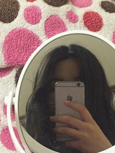 Instagram:musogii Lovely Girl Image, Cute Girl Photo, Girl Photo Poses, Girl Photos, Grunge Photography, Girl Photography Poses, Aesthetic Photo, Aesthetic Girl, Girl Hiding Face