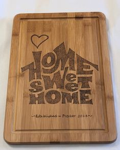 Diy Wood Burning Patterns Cutting Boards New Ideas Wood Burning Crafts, Wood Burning Patterns, Wood Burning Art, Wood Crafts, Acacia Wood Flooring, Faux Wood Tiles, Sweet Home, Diy Cutting Board, Diy Holz