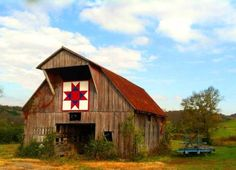 Love the barn quilt.