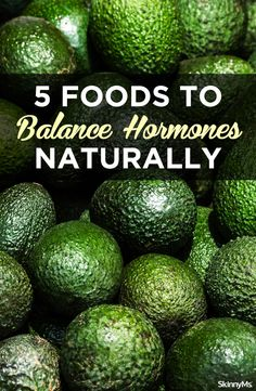 5 aliments pour équilibrer les hormones naturellement - New Ideas Équilibrer Les Hormones, Foods To Balance Hormones, Balance Hormones Naturally, Natural Health Tips, Natural Health Remedies, Natural Cures, Natural Healing, Natural Foods, Herbal Remedies