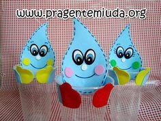 GOTINHA FEITA EM EVA - ÁGUA    Pra quem me pediu ideias para o dia da água... Esta sugestão é feita no copo descartável... é perfeita para servir água para as crianças, enquanto aproveita para debater o assunto. VEJA NO LINK!!!    http://www.pragentemiuda.org/2012/05/lembrancinha-para-projeto-agua.html