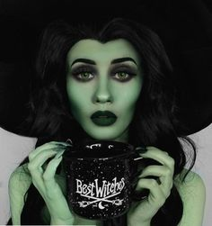 Yessss @charlotte_ameliaax  __________________________________ Sharing all halloween makeup|SFX| Favorite creepy stuff my own work | Others credit will be given to rightful owners Please let me know if you would like your work taken down . . . . . #makeup #makeupartist #hudabeauty #vegas_nay #wakeupandmakeup #amrezy #morphebrushes  #anastasiabeverlyhills #katvondbeauty #peachyqueenblog #ourfazinali #katvondbeauty #brian_champagne #undiscovered_muas #makeupart #halloween #halloweenmakeup…