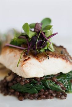 Stowe Weddings- Pan fried cod with wilted spinach on puy lentils . Puy Lentil Recipes, Veggie Recipes, Fish Recipes, Seafood Recipes, Vegetarian Recipes, Healthy Recipes, Vegetarian Stew, Lentil Dishes, Savoury Dishes