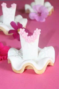 #ballerina #cookies Kız bebek- kız çocuklarına özel hayalsi- masalsı partiler- Dogum gunu partisi-  birthday party- piknik- supriz-kutlama- yas gunu- dis bugdayi- new age- baby shower- konsept parti-concept idea-fun- romantik- vintage- eski zaman temali doğum günü kutlaması - little girls- cute- romantic- baby girl- new born- hastane odası