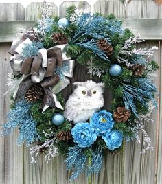 owl wreath---this is pretty, but i think browns and greens would be pretty also