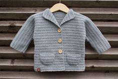 maria syr och så vidare: Virkad barnkofta... igen! Boy Crochet Patterns, Crochet Baby Sweater Pattern, Baby Sweater Patterns, Knit Crochet, Lange T-shirts, Batik, Crochet For Boys, Baby Sweaters, Crochet Clothes