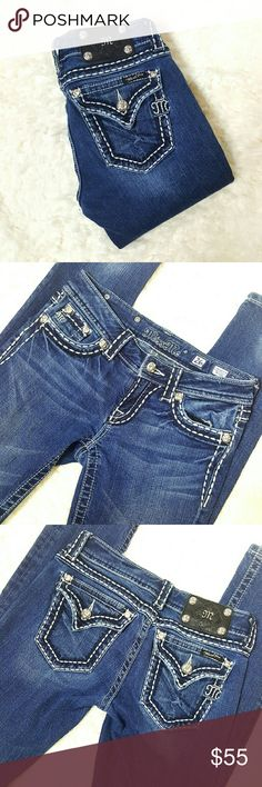 Miss Me Skinny Jeans Size 26 Adorable Miss Me Skinnys! Size 26 Like new  Inseam: 33 inches Miss Me Jeans Skinny