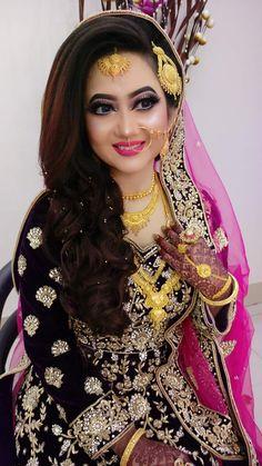 Bridal Makeup Looks, Indian Bridal Makeup, Bride Makeup, Bridal Looks, Beautiful Girl Indian, Beautiful Bride, Black And Silver Eye Makeup, Indian Wedding Bride, Bengali Bride
