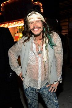 Steven Tyler gives fan a voice mail message she will never forget