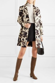 Heel measures approximately 1 inch Brown leather (Lamb) Zip fastening along side Imported Retro Outfits, Girly Outfits, Cute Casual Outfits, Simple Outfits, Chic Outfits, Model Outfits, Over The Knee Boot Outfit, Knee Boots, Lawyer Fashion