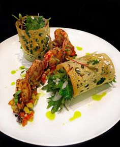 Foodstar Richard Knott ( shared a new image on Foodstarz /// Grilled Spicy Shrimp, Italian Salsa (Tomato, Olive, Caper,… Seafood Recipes, Appetizer Recipes, Cooking Recipes, Healthy Recipes, Baby Gourmet Recipes, Sushi Recipes, Gourmet Foods, Vegan Foods, Salad Presentation