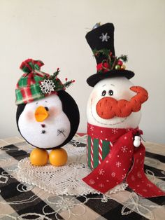 Gingerbread Decorations, Felt Decorations, Christmas Decorations, Christmas Ornaments, Holiday Decor, Christmas Craft Projects, Christmas Sewing, Primitive Christmas, Clay Crafts