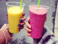 When it comes to our diet, smoothies aren't exactly the first thing that comes to mind when we think about eating healthy. But I'm not talking about chocolate or vanilla smoothies. Smoothie Detox, Smoothie Drinks, Fruit Smoothies, Smoothie Recipes, Breakfast Smoothies, Fitness Motivation, Juice Plus, Superfood, The Best