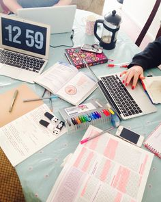 """quilavastudy: """" Studying with the housemates ✏️ """""""