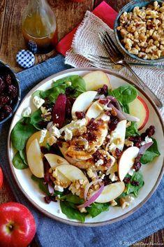 SnapDragon Apple, Walnut & Chicken Spinach Salad with Feta & Cranberry Spinach Salad With Chicken, Spinach Salad Recipes, Salad Recipes For Dinner, Spinach Stuffed Chicken, Healthy Salad Recipes, Healthy Snacks, Healthy Eating, Chicken Salad, Healthy Appetizers