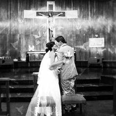 https://flic.kr/p/EdFV7w   <<De modo que ya no son dos, sino una sola carne. Pues lo que Dios ha unido que no lo separe el hombre.>> #Mateo 19: 6  #weddingmoments #brideandgroom #godbless #catholicwedding #catholicchurch #photographylovers #weddingphotography #togetherforever #limi