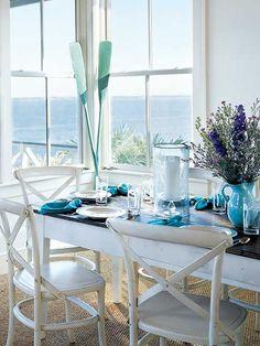 Eettafel, wit hout en turquoise