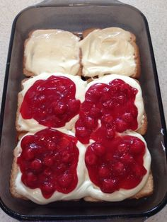 French Toast With Fruit amp; Cream Cheese (Baked) Stuffed French Toast With Fruit amp; Cream Cheese (Baked)Stuffed French Toast With Fruit amp; What's For Breakfast, Breakfast Dishes, Breakfast Recipes, Dessert Recipes, Mexican Breakfast, Breakfast Sandwiches, Breakfast Pizza, Fruit Recipes, Breakfast Healthy