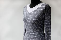 Střih a návod na dámské tričko s výstřihem do V