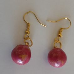 "#Ohrringe ""oro borgoña"" #Ohrschmuck, #Schmuck  #Pendientes ""oro borgoña"" #joya #aretes  #Earrings ""oro borgoña"" #Jewellery Jewelry Shop, Handmade Jewelry, Winter Dress Outfits, Pearl Earrings, Drop Earrings, Red Fashion, Rainbow Colors, Martini, Art Gallery"