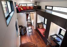 Cansado da hipoteca, casal constrói em 4 meses uma fantástica casa sobre rodas gastando muito pouco