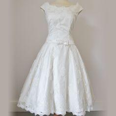 Eva by Dana Bolton - '50s, dropped waist, boat neck, cap sleeves, full skirt, buttons
