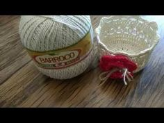 Cesta Crochê Endurecido - YouTube Crochet Snowflake Pattern, Crochet Snowflakes, Crochet Videos, Crochet Home, Crochet Designs, Beautiful Patterns, Cross Stitch Patterns, How To Make, Youtube