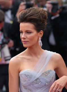 "Kate Beckinsale Photos - (UK TABLOID NEWSPAPERS OUT) Kate Beckinsale attends the Robin Hood Premiere at the Palais des Festivals during the 63rd Annual Cannes International Film Festival on May 12, 2010 in Cannes, France. - ""Robin Hood"" Premiere - 63rd Cannes Film Festival"
