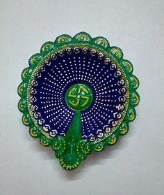 Diwali Diya #Lovely blue/ green diya Diya Decoration Ideas, Diy Diwali Decorations, Festival Decorations, Flower Decorations, Diwali For Kids, Diwali Craft, Diy Arts And Crafts, Crafts To Make, Diwali Diva