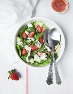 Salade fraises, courgettes, feta pour 4 personnes - Recettes Elle à Table
