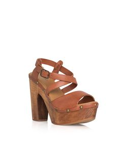 idk why but im totes diggin the chunky sandals!!