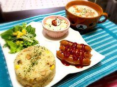 娘にもあげたかったので、カレーパウダーは控えめに…✨ でもコンソメとバターで充分美味しかったです( ›◡ु‹ )❤❤ 炊飯器でパラパラピラフ、簡単やしこれからも作りまーす(*´꒳`*)❤ サチさん、美味しいレシピをありがとうございました(  • ̀ω ⁃᷄) - 88件のもぐもぐ - gohandaisukiさんの❤カレーピラフで晩ご飯( ›◡ु‹ )❤ by momoyuko