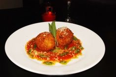 This delicious Arancini di Riso recipe was given to us by Chef Franco Lania. Italian Appetizers, Appetizer Salads, Appetizers For Party, Appetizer Recipes, Italian Crockpot Recipes, Italian Rice, Arancini, Rice Balls, Vegetable Side Dishes