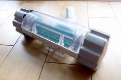 意外と高い「レイコップ」の代わりに買った「東芝VC-20TP」純正付属品のふとん用ブラシ『VJ-B4』。なにやら白いゴミがたくさん取れて、効果ありそうです。