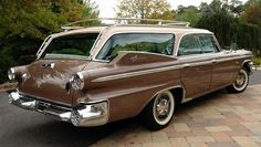 Don't think I've ever seen one...An extremely rare 1960 Dodge Polara 9 Passenger Wagon.