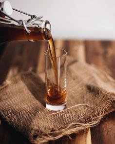 Alcoholic Drinks, Coffee Maker, Kitchen Appliances, Wine, Instagram, Glass, Gaping Hole, Canela, Liquor Drinks