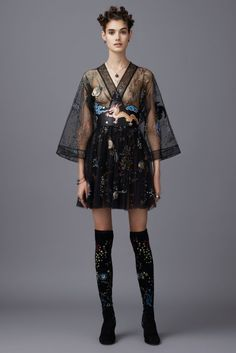 With a spring collection inspired by Africa, Valentino designers Maria Grazia Chiuri and Pierpaolo Piccioli looked all over the world for the brand's pre-fall 2016 collection. From the colorful images of Italian artist Elio Florucci to Japanese street style to the American southwest to the island vibes of Jamaica, the Valentino designers tapped into an …