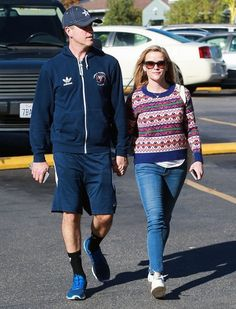 Reese Witherspoon and her husband Jim Toth out grocery shopping at Bristol Farms in Los Angeles, California on December 13, 2014.