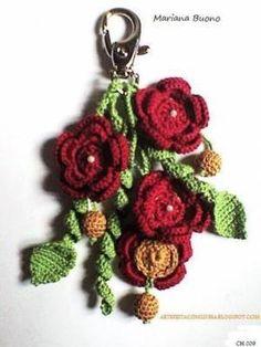 TRINTA E OITO MODELOS PARA VOCÊ MESMA FAZER SUAS JÓIAS, INSPIRE-SE E BOM CROCHÊ PARA TODOS. ... Crochet Garland, Crochet Diy, Crochet Gifts, Crochet Lanyard, Crochet Keychain Pattern, Crochet Flower Patterns, Crochet Flowers, Felt Keyring, Crochet Bouquet