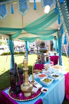 JASMINE wedding anyone? He always makes it like you've stepped into a magical land when you go to his weddings. Arabian Nights Prom, Arabian Nights Theme Party, Arabian Theme, Arabian Party, Aladdin Wedding, Aladdin Party, Moroccan Party, Moroccan Theme, Princess Jasmine Party