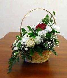 60 Wonderful Rose Arrangement Ideas For Your Girlfriend Valentine Flower Arrangements, Basket Flower Arrangements, Artificial Floral Arrangements, Deco Floral, Arte Floral, Floral Design, Fake Flowers, Fresh Flowers, Beautiful Flowers
