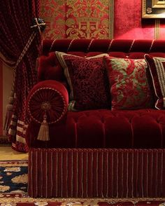 Detail of a sofa in a Grand Library, designed by Alidad #details #detail #library #bookcase #blackandgold #interior #interiors… Red Velvet Sofa, Velvet Room, Modern Victorian Homes, Victorian Interiors, Grand Library, Tufted Couch, Deco Boheme, Classic Sofa, Interior Exterior